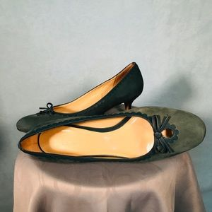 LOFT Green Suede Shoes with Keyhole 8.5